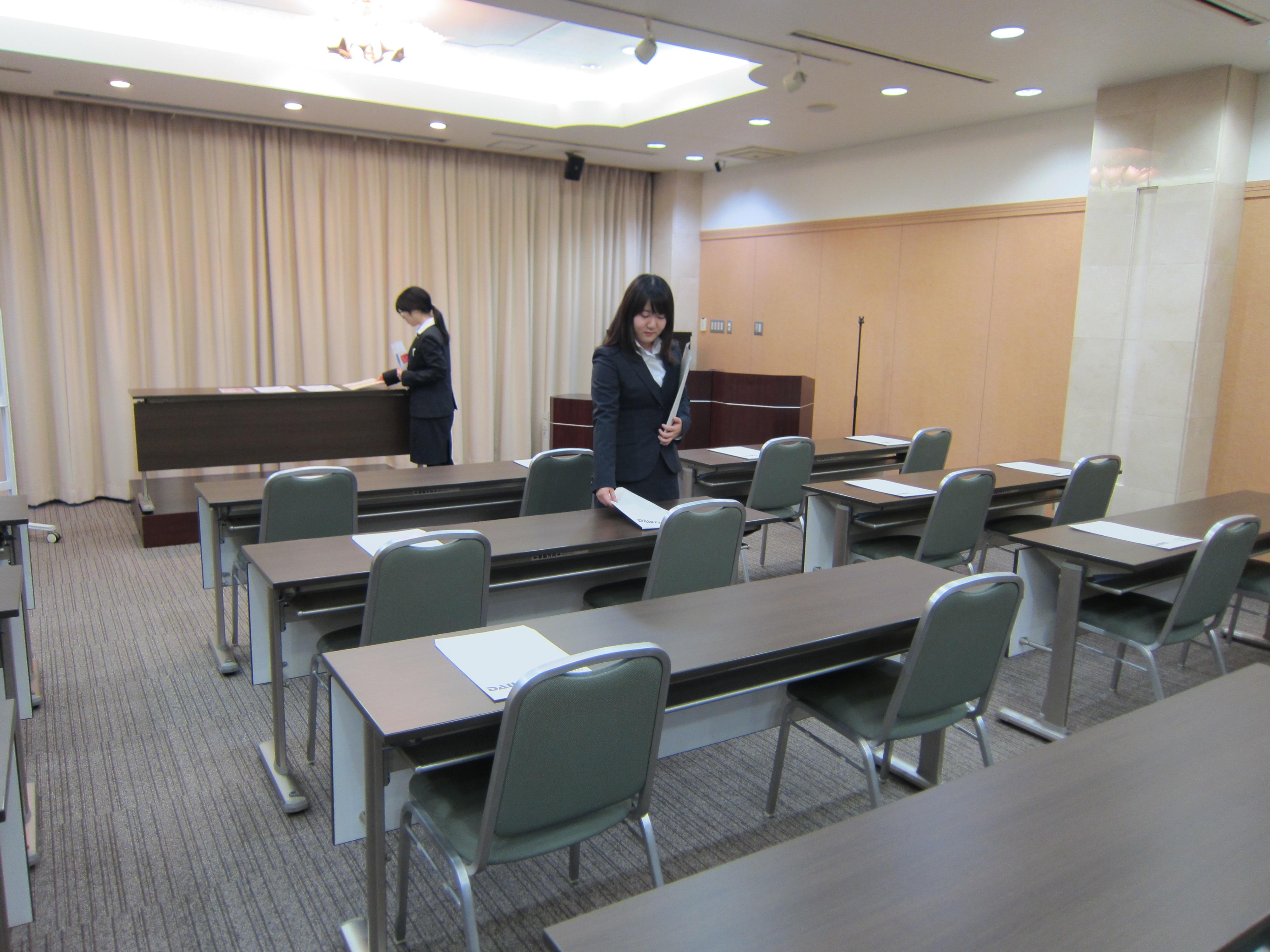 第1回・第2回会社研究セミナーを行いました。